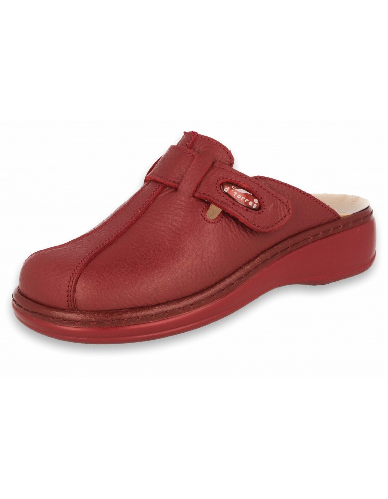 PROFESSIONAL COMFORT CLOGS, PLUS 10 RED